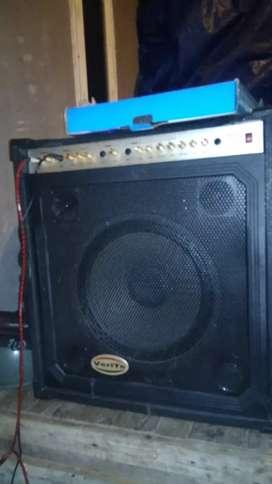 Amplifier keyboard