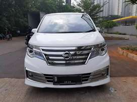 Nissan serena HWS authect a/t thn 2015 putih
