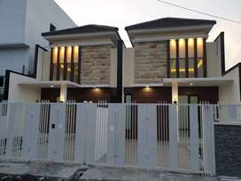 TINGGAL 1UNIT RUMAH MINIMALIS DI PANDUGO ROW JALAN 4MOBIL ONE GATE