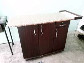 Table with istri stand