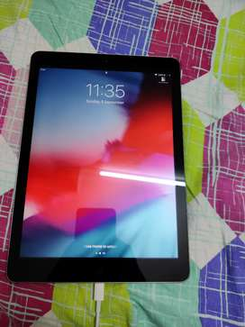 iPad Air 1st Gen: WiFi; mint condition, bought at Rs. 60000
