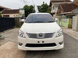 Innova V lux bensin 2012