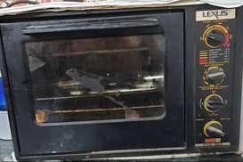 USHA LEXUS OTG Branded oven in Super-Duper condition,for sale.