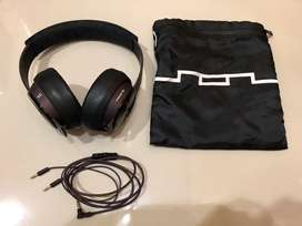 Headphones Sol Republic Master Track by CALVIN HARRIS