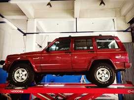Jeep Cherokee XJ Limited 4.0 AT