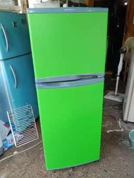 Jual cepat kulkas LG 2 pintu normal dan garansi satu bulan