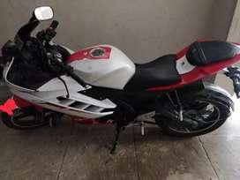 R15 v2 2014 model ,17000km only , 72 k
