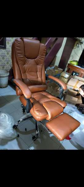 Kursi meja perlengkapan kantor