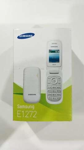 Samsung lipat putih E1272