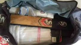 I want to sell my rarely used cricket kit..it's