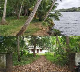 Lake view n River side property (50 cents) with house in Munrothuruthu
