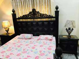 Pure solid wood chiniot carving bed with 2 sidetables