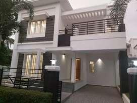 Kakkanad near infopark 4km gated colony 6.5cent 2050sqt villa 1.05cr