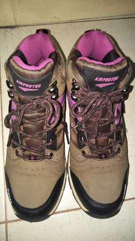 Sepatu gunung (AIR PROTEC)