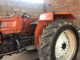 very clean and good condition tractor