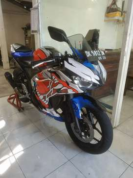 Yamaha R25 thn 2015 ss lengkap pajak hidup / Bali dharma motor