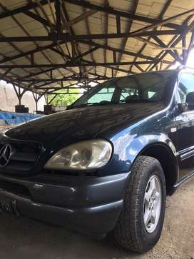 Mercedes Benz ML320 W163