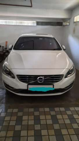 Volvo s60 D5 215 bhp.