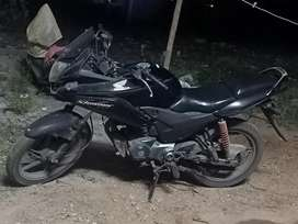 Honda stunner in good running condition, side shiled alone damaged.