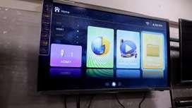 New 40 inch 4k smart LED UHD 1yr warranty