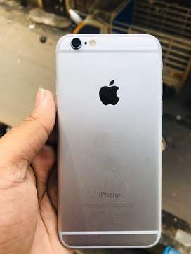 iPhone 6 // 64gb //with kit