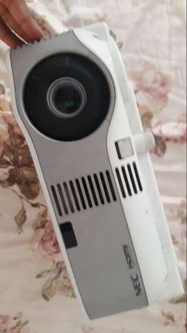NEC 905 Projector for Sale