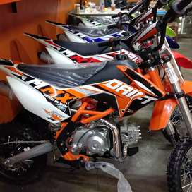 Motor trail kategori mainan RCX drift 110cc