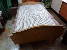 Double cot with mattress in good condition