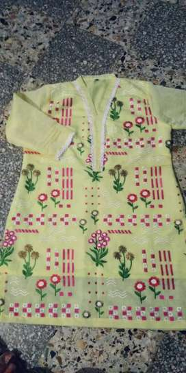 Branded suts replica 3 pis 2 pis and kurti stitched are available now