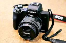 Canon EOS M50 Mirrorless with 15-45mm and 55-200mm Kredit Mudah