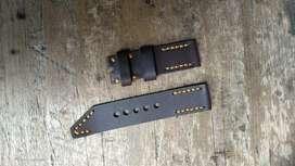 Strap atau tali jam tangan kulit asli .
