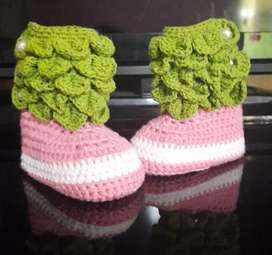 Sepatu baby rajut 3-6 bln