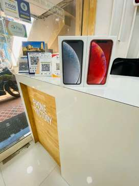 iPhone xr 128 gb brand new ( sealed)