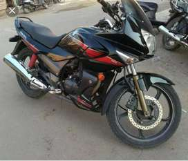In very good condition hero Honda karizma R .. Black horse