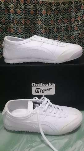 Sepatu Onitsuka Tiger Kulit Full white size 38