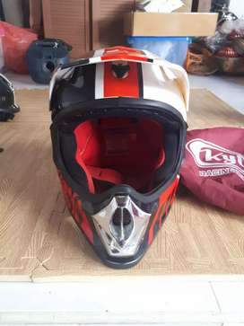 Helm kyt cross ukuran L