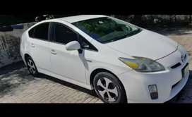 Toyota Prius 2011 get on monthly installment