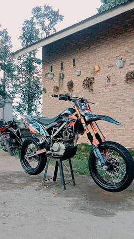 Dijual Kawasaki KLX mulus no minus