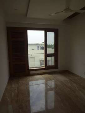 10 marla 3bhk brand new 1st floor facing park for sale in sector 34