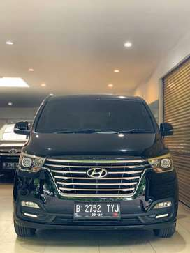 Hyundai H1 XG Diesel VGT CRDi Th 2019 March Automatic Hitam Metalik