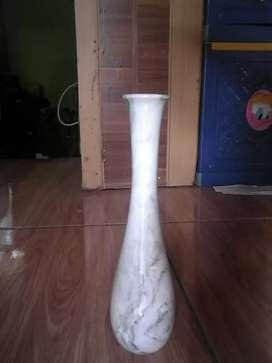 Vas bunga batu alam