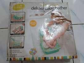 Mustela Deluxe Baby Bather New (bak Mandi bayi)