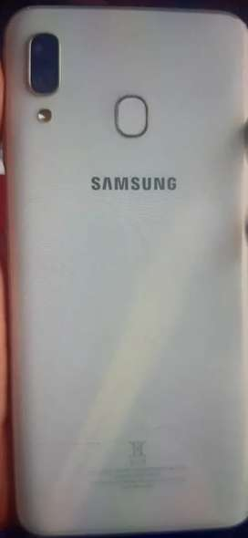Samsung a30 for sale   ,  all accessories