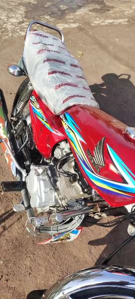 Honda 125 Red color good condition