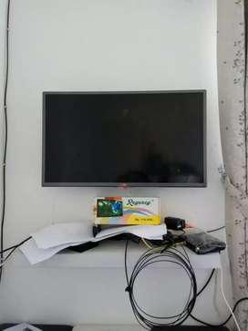 Bracket pasang tv led di tembok praktis dan aman
