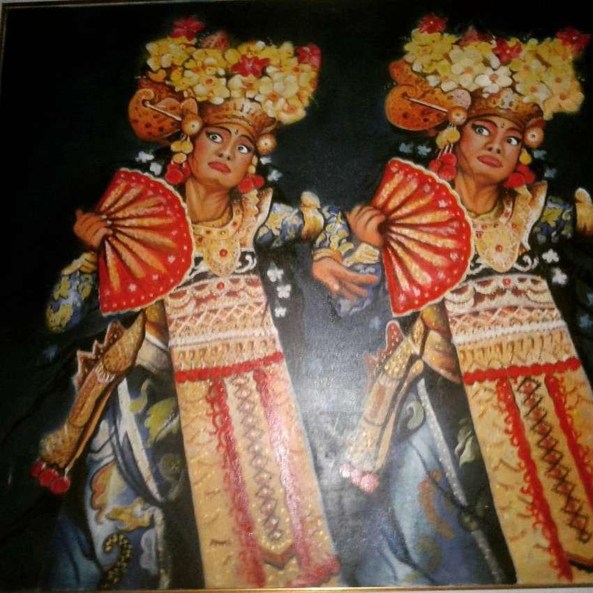 Lukisan dua penari bali media cat minyak diatas canvas ukuran 150x150c 0