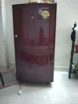 5yrs old kelvinator fridge