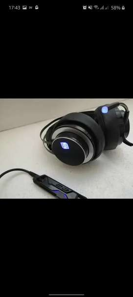 ZIDLI ZH17 with excellent noise cancellation.. excellent condition
