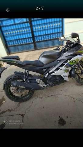Yamaha R15 V2 version