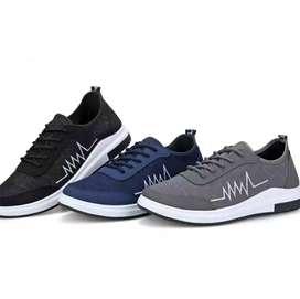 Sepatu Fashion, Sneakers